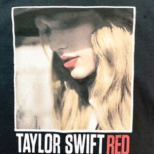 Taylor Swift Red Albumn Tee Small